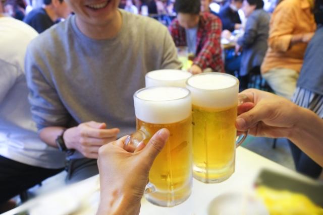 社員同士の飲み会風景